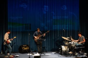 Trieste, 17/6/2021 - Auditorium del Museo Revoltella - Le nuove rotte del jazz 2021 - Francesco Vattovaz Trio - Francesco Vattovaz batteria - Riccardo Pitacco contrabbasso - Gabriele De Leporini chitarra - Foto Luca Valenta/Phocus Agency © 2021