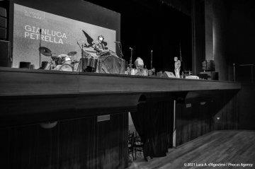 Sacile, 22/05/2021 - Controtempo - Teatro Zancanaro - Il Volo del Jazz - GIANLUCA PETRELLA ÒCosmic RenaissanceÓ - Gianluca Petrella: trombone, laptop, moog, effetti - Mirco Rubegni: tromba - Blake Franchetto: basso - Federico Scettri: batteria, laptop25 - Simone Padovani: percussioni - Foto Luca A. dÕAgostino / Phocus Agency © 2021